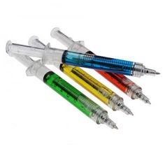 Nicht nur für Ärzte und Krankenschwestern oder an Karneval ein lustiger Gag. Der Spritzen-Kugelschreiber eignet sich auch hervorragend, um in der Uni oder in der Schule alle Blicke auf sich zu ziehen. ;)
