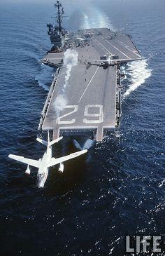 USS Independence - CV62