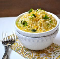 Creamy Broccoli Cheddar Rice, a few simple ingredients make the perfect comforting side dish! Cheddar Broccoli Rice, Cheesy Broccoli Rice Casserole, Zoodle Casserole, Cheesy Rice, Broccoli And Cheese, Broccoli Dishes, Vegetable Dishes, Veg Dishes, Broccoli Cauliflower