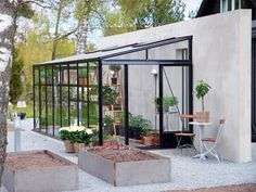 Pergola Ideas For Patio Refferal: 4365176362 Greenhouse Attached To House, Cheap Greenhouse, Backyard Greenhouse, Backyard Fences, Greenhouse Ideas, Pallet Greenhouse, Portable Greenhouse, Diy Fence, Fence Ideas