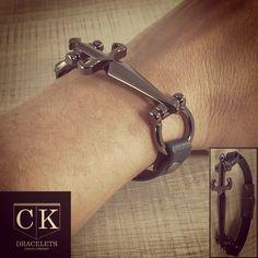 Pulseira masculina CK Braceletes em couro legítimo, escolha logo a sua! Atacado e Varejo.  . ☎️WhatsApp +55 51-9774-2293  . E-mail : ckbraceletes@gmail.com