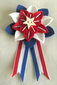 Patriotic Red White and Blue Felt Flower Pin by Dorothy Designs Felt Flowers, Fabric Flowers, Felt Leaves, Blue Ribbon, Girl Scouts, 4th Of July Wreath, Craft Stores, Memorial Day, Red And White