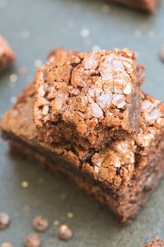 Four Ingredient Flourless Protein Brownies- Soft, fudgy and SO delicious, these brownies are paleo, vegan, gluten free and have no butter, oil or sugar!