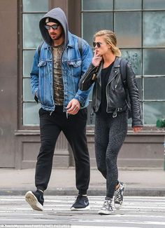Low-key and lovely: Nina Agdal looked miles away from a catwalk as she stepped out in New York for a stroll with a mystery male on Monday - while puffing away on a cigarette Boho Outfits, Vintage Outfits, Girl Outfits, Fashion Outfits, Womens Fashion, Hip Hop Fashion, Urban Fashion, Cigarette Girl, Nina Agdal