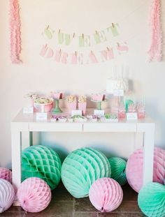 A selection of awesome sleepover set ups that will help make your child's next sleepover party fun and memorable. Sleepover Party, Pj Party, Festa Party, Slumber Parties, First Birthday Parties, First Birthdays, Party Time, Soirée Pyjama Party, Pyjamas Party