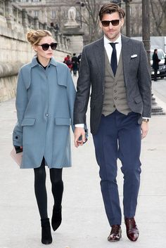Olivia Palermo and Johannes Huebl- street style. Estilo Olivia Palermo, Olivia Palermo Lookbook, Olivia Palermo Style, Olivia Palermo 2017, Best Street Style, Street Styles, Stylish Couple, Mein Style, Elegantes Outfit
