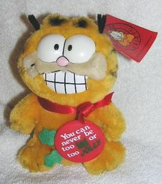 Vintage Plush 6 Christmas Garfield the Cat - Wearing Button You can never be too fat or too jolly Garfield Cat, Geek Gifts, Plush, Geek Stuff, Fat, Entertainment, Canning, Christmas Ornaments, Button