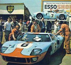 Ford GT 40 en Le Mans 1969.  El nº6 sería el ganador.
