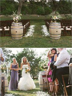 chic-rustic-outdoor-wedding-ceremony-ideas-with-wine-barrel-decorations.jpg (600×799)