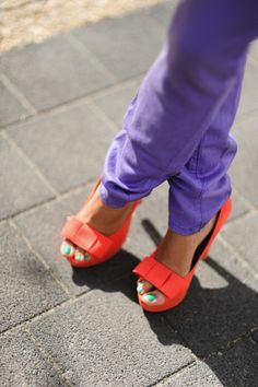 purple pants, orange heels and turquoise toes = perfection