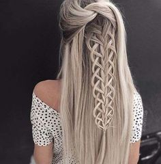 36 boho inspired creative and unique wedding hairstyles - hairstyles trends frisuren haare hair hair long hair short Unique Wedding Hairstyles, Creative Hairstyles, Latest Hairstyles, Pretty Hairstyles, Hairstyle Ideas, Amazing Hairstyles, Messy Hairstyles, Hairstyles 2018, Hair Colors