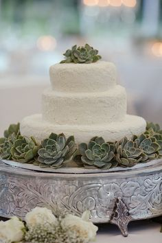 succulent & lace wedding cake... Personalized Cake serving sets...  http://www.thevineyard.carlsoncraft.com