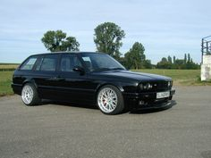 BMW e30 Touring- sickest swagger wagon ever...
