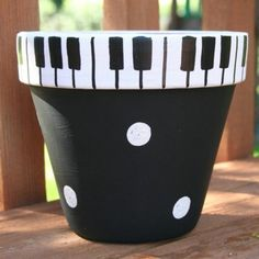 Piano Keys Hand-Painted Flower Pot - super cute for the music lovers in your life Clay Pot Projects, Clay Pot Crafts, Diy Crafts, Flower Pot Art, Flower Pot Crafts, Life Flower, Clay Flower Pots, Painted Plant Pots, Painted Flower Pots