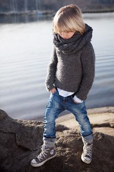Cowl, rolled jeans, socks, high tops, sweater.  Cute!