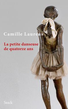 Elle est célèbre dans le monde entier mais combien  connaissent son nom ? On ne sait que son âge, 14 ans, et le travail qu'elle faisait, car c'était déjà un travail, à cet âge où nos enfants vont à l'école. Dans les  années 1880, elle dansait comme petit rat à l'Opéra de Paris. Elle était aussi modèle, elle posait pour des peintres ou des sculpteurs. Parmi eux il y avait Edgar Degas