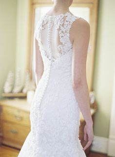 Button up lace wedding dress: http://www.stylemepretty.com/virginia-weddings/2016/01/25/intimate-rustic-potomac-river-elopement/ | Photography: Michael and Carina - http://michaelandcarinaphotography.com/
