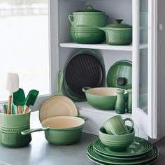 Oh, my, Rosemary, the new Le Creuset color featured at Sur La Table is beeauutiifuuulll! Hello, Bean Pot in the upper cabinet corner. Kitchen Dishes, Kitchen Items, Kitchen Gadgets, New Kitchen, Kitchen Dining, Kitchen Decor, Kitchen Appliances, Kitchen Tools, Le Creuset Colors