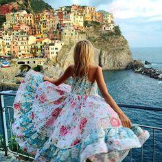 Lindo vestido florido (a paisagem então, nem se fala...;)