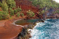 Hawaii, Maui, Hana coastline, Kaihalulu Red Sand Beach