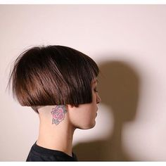 If you're thinking of getting an undercut, sidecut, pixie, or any. Short Bob Hairstyles, Cool Hairstyles, Disconnected Haircut, Short Hair Cuts, Short Hair Styles, Bob Hair Color, Edgy Hair, Love Hair, Pixie Haircut