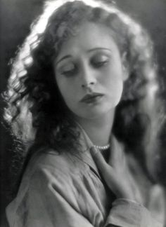 Dolores Costello,1920s.  Silent movie actress and Drew Barrymore's grandmother.