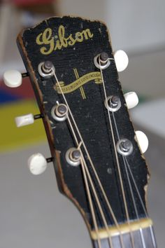 Old Gibson Headstock