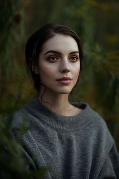This week the CW& Reign will be coming to a close. But, that doesn& mean that Adelaide Kane& reign as a true beauty is. Adelaide Kane, Pretty People, Beautiful People, Beautiful Women, Brisbane, The Girl Who, Female Characters, Book Characters, Girl Crushes