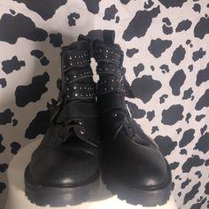 0856abc20a877 $15 size 7 Combat Boots, Work Wear, Topshop, Combat Boot, Workwear,. Depop