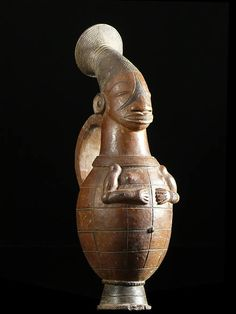 Africa | Terracota vessel from the Mangbetu people of DR Congo | ca. 1960