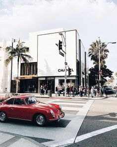 I Never Studied Fashion, But Here's How I Landed My Job.Kristen Marie Nichols in Los Angeles Checkout The Best Jobs in Los Angeles Area. California Dreamin', California Fashion, Boujee Aesthetic, City Of Angels, My Land, Belle Photo, Travel Inspiration, Surf, Places To Go