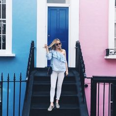 Fashion Looks Notting Hill Zara Asymetrie white Jeans Espandrilles Pink wall