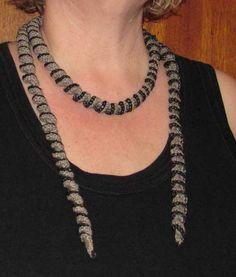 365 saker du kan slöjda » #350 Virka ett krulligt halsband!