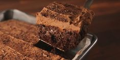 Baileys Fans This Boozy Chocolatey Poke Cake Is Your Dream Come True Poke Cake Recipes, Poke Cakes, Cupcake Cakes, Dessert Recipes, Desserts, Cupcakes, Chocolate Cake Mixes, Chocolate Peanut Butter, How To Make Frosting