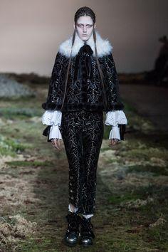 Alexander McQueenParis Fashion Week Ready to Wear Collection Fall Winter 2014