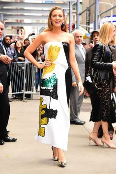 cbb7c0ee7a0 Blake Lively Just Wore This Oscar de la Renta Dress Off the Runway