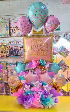 Gift Bouquet, Candy Bouquet, Balloon Bouquet, Birthday Balloon Decorations, Birthday Balloons, Balloon Arrangements, Floral Arrangements, Bubble Balloons, Balloon Gift
