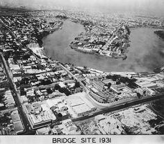 tograph of the Story Bridge site Brisbane 28452 Story Bridge Construction Photograph Album. John Oxley Library, State Library of Queensland. Brisbane River, Brisbane Queensland, Brisbane City, Queensland Australia, Cantilever Bridge, Bridge Construction, Photo Story, Aerial View, Old Photos