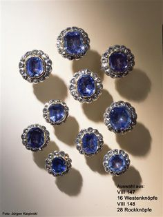 Sapphire button, Dresden, 1719-1721, Green Vault, a sapphire and 12 rose cut diamonds, gold, silver, 1.6 cm