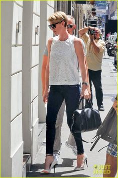 charlize theron rome shopping spree 03