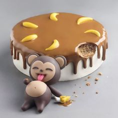 Banana cake🍌🍌🍌 by its so original banane banana fruit fruits cake cakes cakeart cakedesign food foodporn chocolate chocolates monkeys monkey amourducake pastry patisserie white photooftheday yellow Fondant Cakes, Cupcake Cakes, Kid Cakes, Fondant Bow, Fondant Tutorial, Fondant Flowers, Fondant Figures, Cool Cake Designs, Cake Designs For Kids