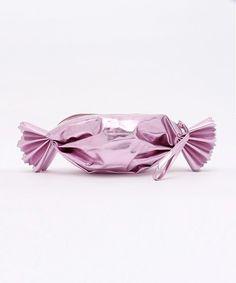 【ZOZOTOWN】WEGO(ウィゴー)のクラッチバッグ「WEGO/キャンディクラッチバッグ」(BLSG15AU-0058)をセール価格で購入できます。
