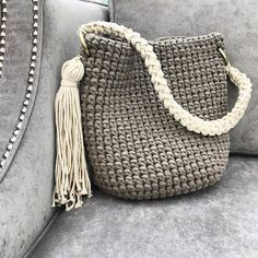 Discover thousands of images about Rope bag / Unique design Bag from rope / Handmade crochet bag / market bag… Crochet Patterns Bag 813 Likes, 87 comments – Summ … A brilliant craft to make and sell ohmy-creative. Crochet Diy, Crochet Tote, Crochet Handbags, Crochet Purses, Crochet Crafts, Diy Crafts, Crochet Shell Stitch, Crochet Stitches, Crochet Patterns