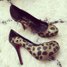 SERGIO ZELCER Cheetah Print Pumps Worn once in excellent condition and perfect to dress up any outfit! Shoes Heels