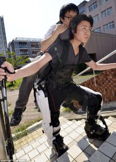 Japanese HAL Robo-Suit Exoskeleton to Carry Disabled Man Up Mountain