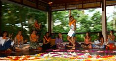 Yoga & Energetics Teacher Training in Bali, Ubud with the magical Cat Kabira. There is a time for transformation. Bali Yoga, Positive People, Yoga Teacher Training, Ubud, Time Travel, Something To Do, Travelling, Beautiful Places, Adventure