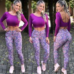 Cropped Ula ML Roxo na Lexafitwear. Swimsuits, Bikinis, Swimwear, Estilo Fitness, Hottest Models, Women's Leggings, Fitness Fashion, Fitness Inspiration, One Piece Swimsuit