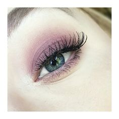 Eyeshadow look using the Tarte tarteist pro eyeshadow palette Lashes are ardell demi whispies