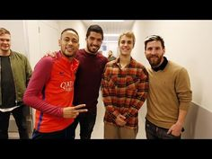 November [HQ] Photos of Justin at FC Barcelona's training camp in Barcelona, Spain. Soccer Fans, Play Soccer, Fc Barcelona, Barcelona Training, Justin Bieber Photos, Hot Stories, Neymar Jr, Dance Videos, One Team
