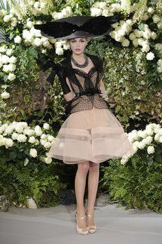 Dior. Beautiful head to toe.